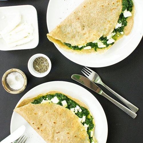 Spinātu-fetas siera pankūkas